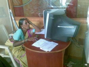 desi-facebook-woman-india